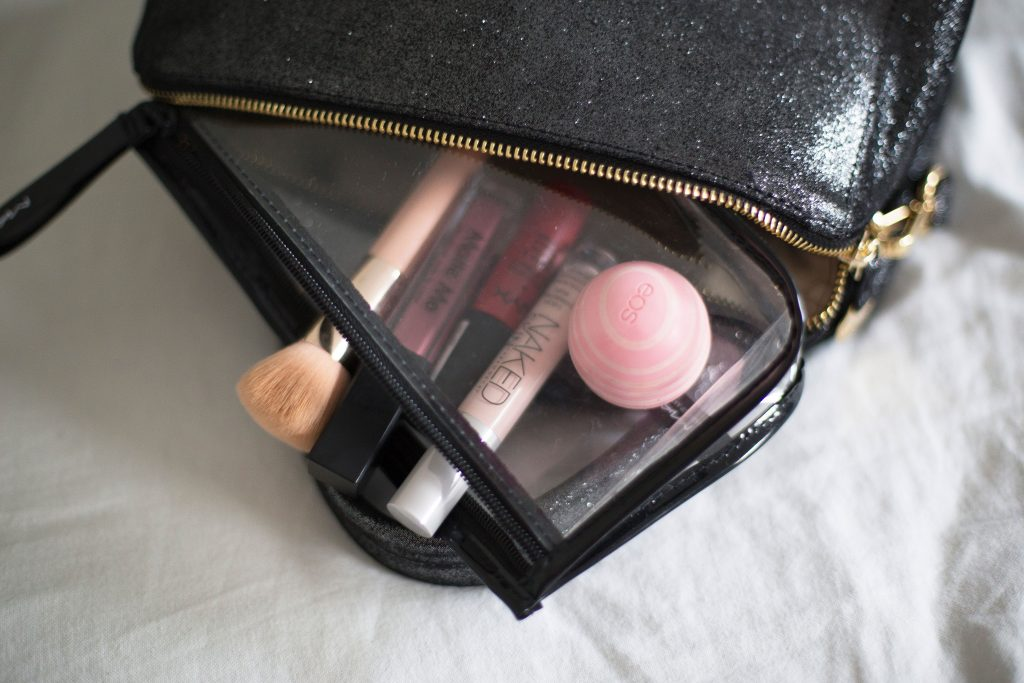 article-beaute-make-up-blogueuse-belge-sac-bag-neuville